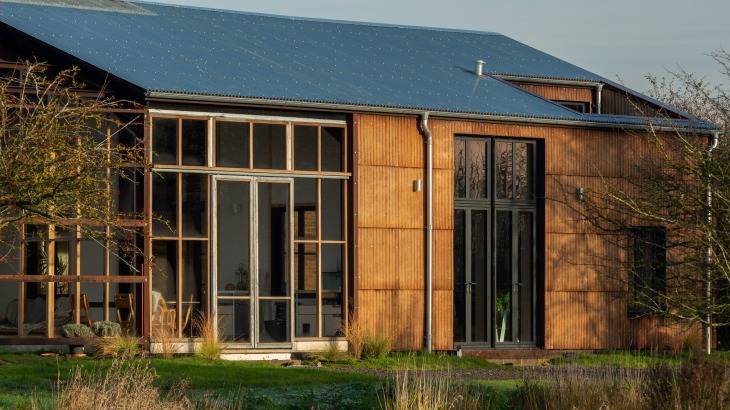 flat-house-uk-practice-architecture-hemp-margent-farm_dezeen_hero-1