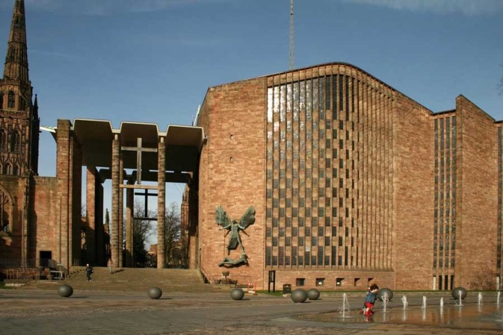 coventry-cathedral-building-by-basil-spence-architect-1